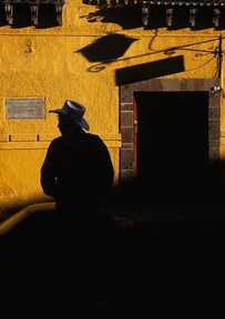 Cowboy_yellow_wall__09