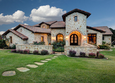 Exterior_luxury_home_real_estate_photographer_austin